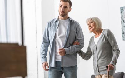 Choosing the Right Senior Living Options 400x250 - Blogs